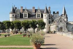 Chateau d'Ambois prés de  Akwaba mobil-home