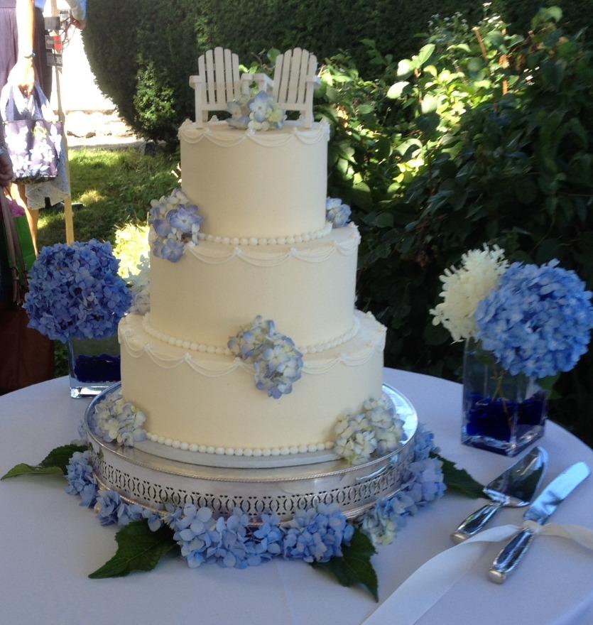 York Maine wedding cake