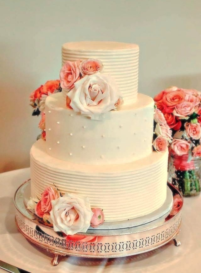 Southern Maine wedding cake