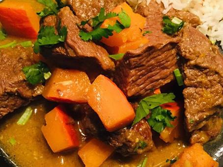Welkom herfst! Verwarmende curry van runderstoof met pompoen en kokosmelk