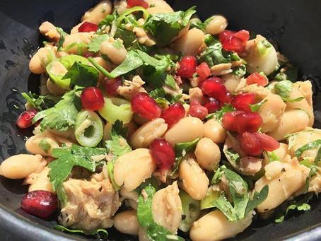 Salade met Cannellini bonen en tonijn, voedzaam en lekker, ideaal om mee te nemen als lunch!