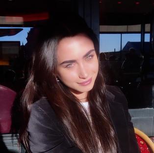 Nafsika Esfandiari