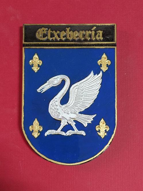 Etxeberria ( escudo del apellido en esmalte)