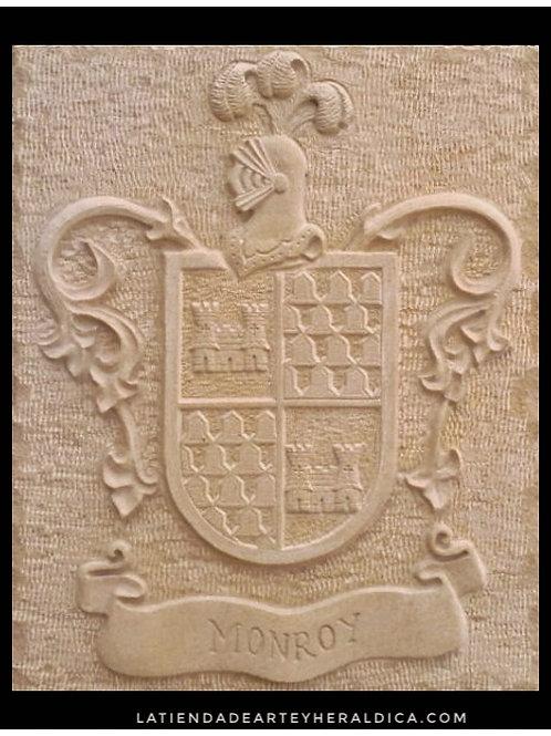 Piedra de Fachada con escudo del apellido