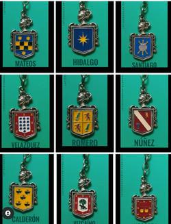 Llaveros plata con escudo