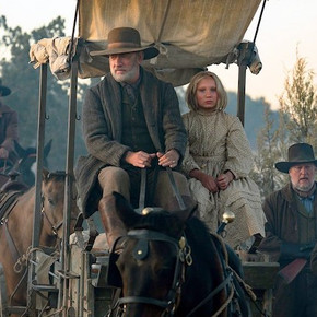 Review: Tom Hanks leads brilliant, soulful western 'News of the World'