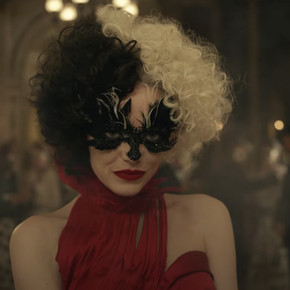 Review: Emma Stone brings the style and heat in steampunk fever dream 'Cruella'