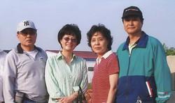 이용원 목사 부부와 최봉일 선교사 부부
