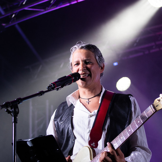 STEHANE chant lead guitare