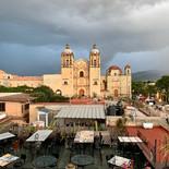 Autor: Tino Cohetero IG: @tinocc01  El templo de Santo Domingo de Guzmám, en el corazón de POaxaca visto desde una de las mejores terrazas de la ciudad de Oaxaca.
