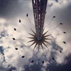 Creer que volamos, tocar el cielo.