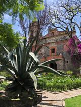 Autora: Laura Hernández O. Instagram: @laurahdzo  De los lugares más bonitos y coloniales de CDMX; en el barrio de San Ángel está la  Parroquia de San Jacinto.