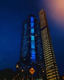Torre nocturna