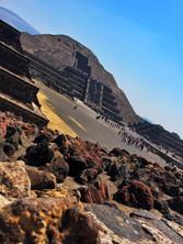 De piedras a pirámides