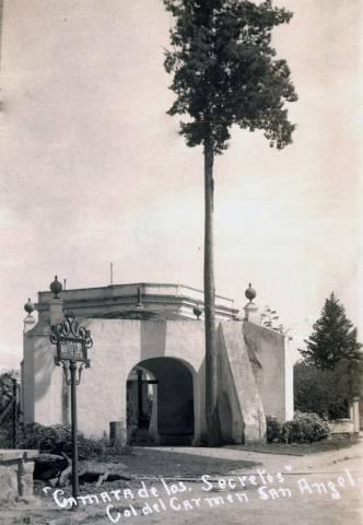 Imágen histórica de la cámara o ermita del secreto