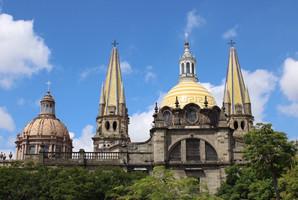 Torres y cúpulas