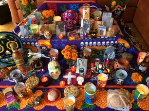 Tradicional ofrenda de muertos