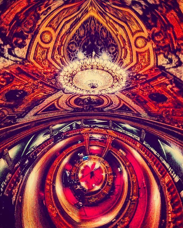 #shandelier #psycedelic #opera #abstract #gent #vlaamseoperagent #toeli #lightup #digitaldesign #ent