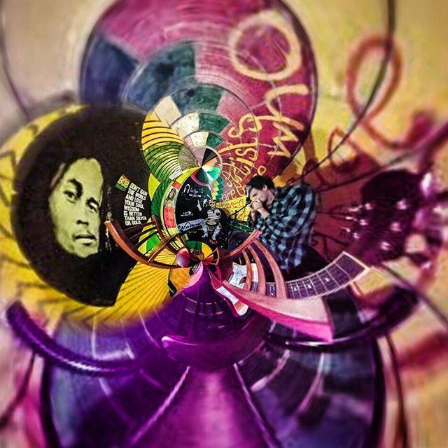 Jamming with Driss on the djembe #djembe #bluesharp #harmonica #fesjam #lecoindesartistes #bobmarley