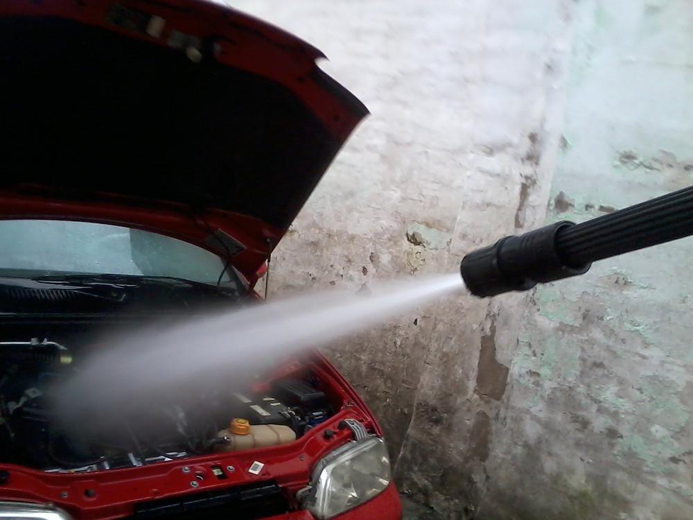lavagem de motor com agua