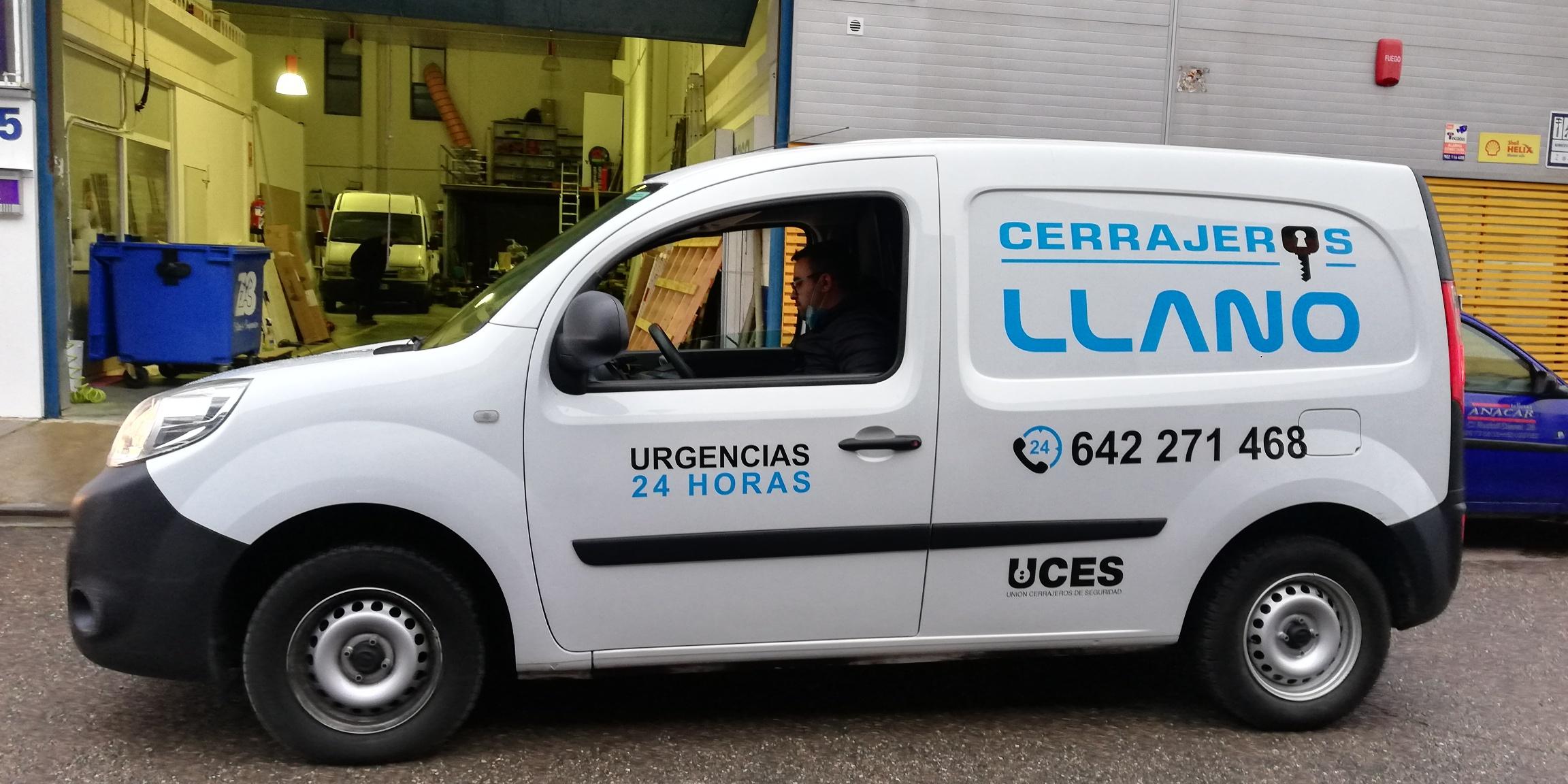 Rotulacion_furgoneta_cerrajeros_LLano
