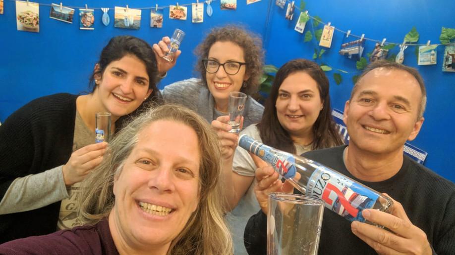 הצצה אל אחורי הקלעים: חדר בריחה הג'וב היווני בחיפה