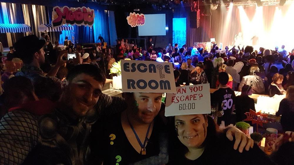escape room custume, חדר בריחה, תחפושת חדר בריחה play with lilach