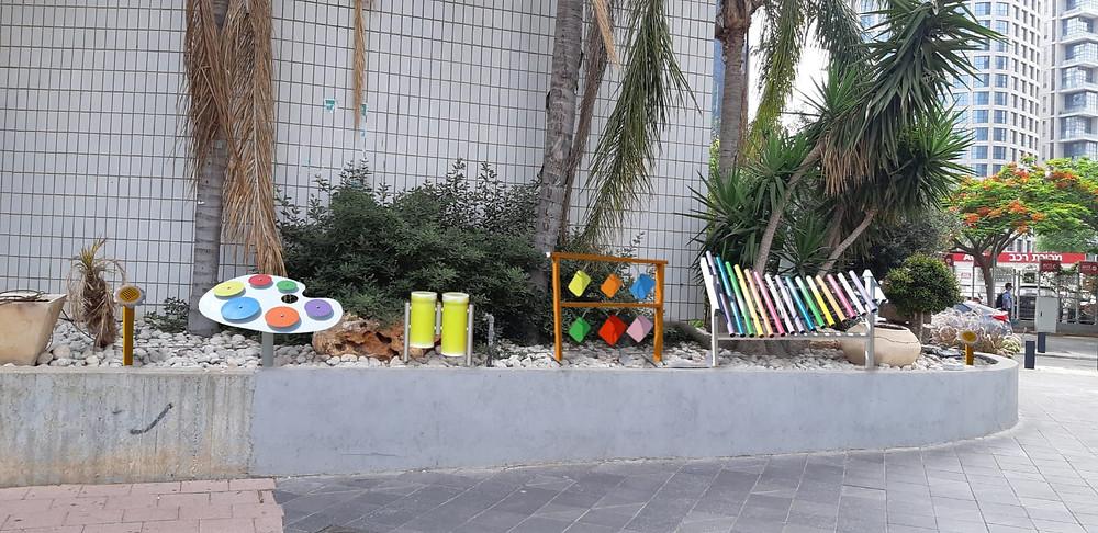 כיכר היצירה הבורסה ברמת גן כלי נגינה play with lilach
