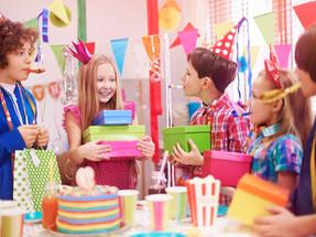 """איך חוגגים יום הולדת בתקופת מלחמה? יום הולדת בבית, יום הולדת במקלט, יום הולדת בממ""""ד"""