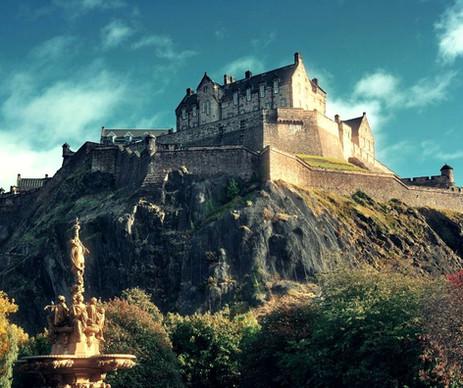 Edinburgh-Castle-18-4-1_edited.jpg