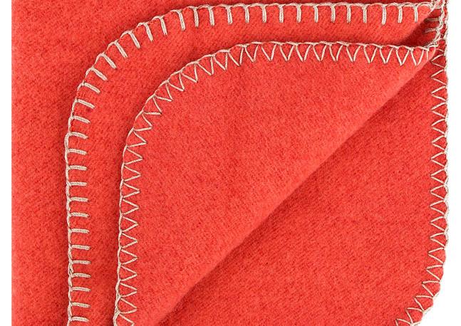 Decke Emma von Steiner1888, auch in verschiedenen Farben erhältlich; (Credit: Steiner1888/Abdruck honorarfrei)