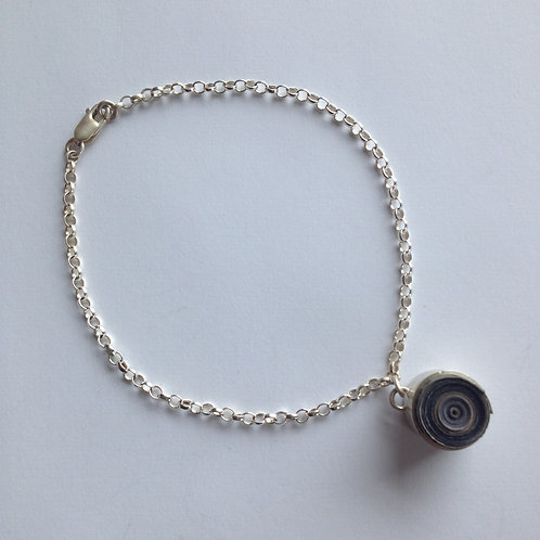 Restricted Bezel Bracelet