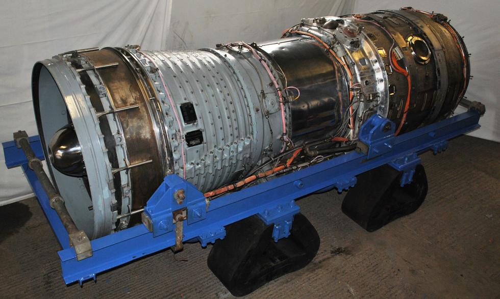 Olympus 320 TSR2 engine (15).JPG