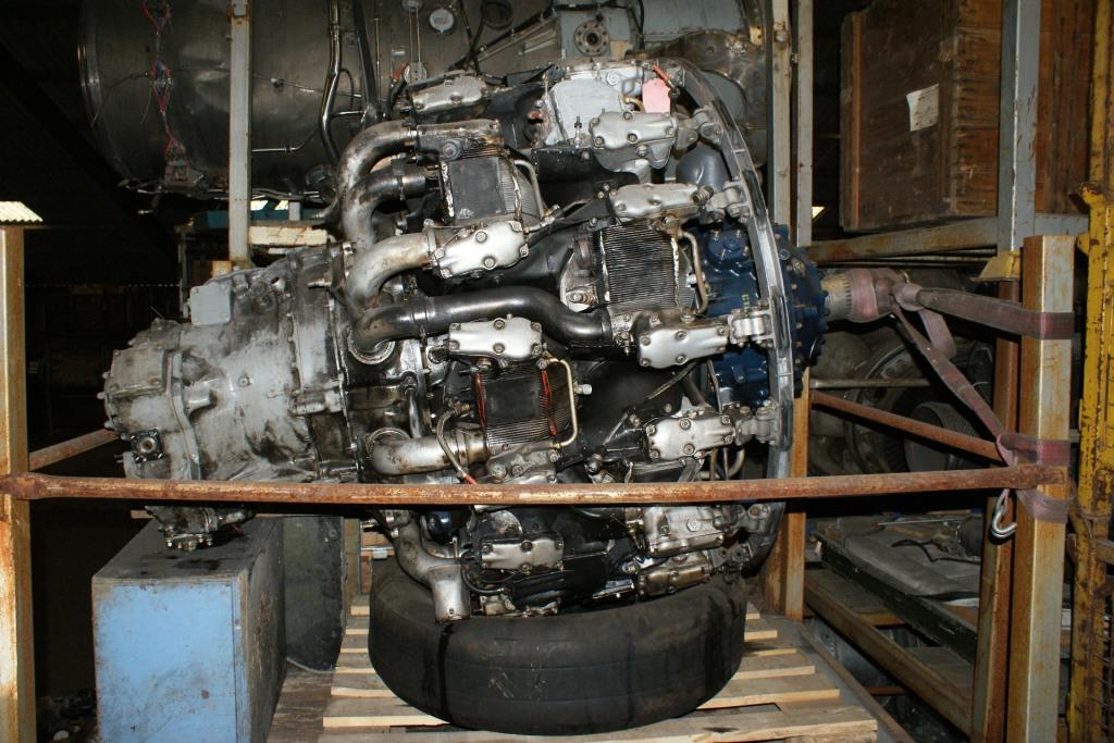 Pratt and Whintey R2800 engine