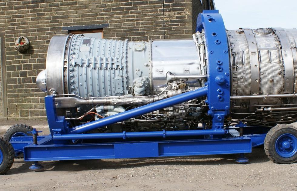 Olympus 320 engine (2).JPG