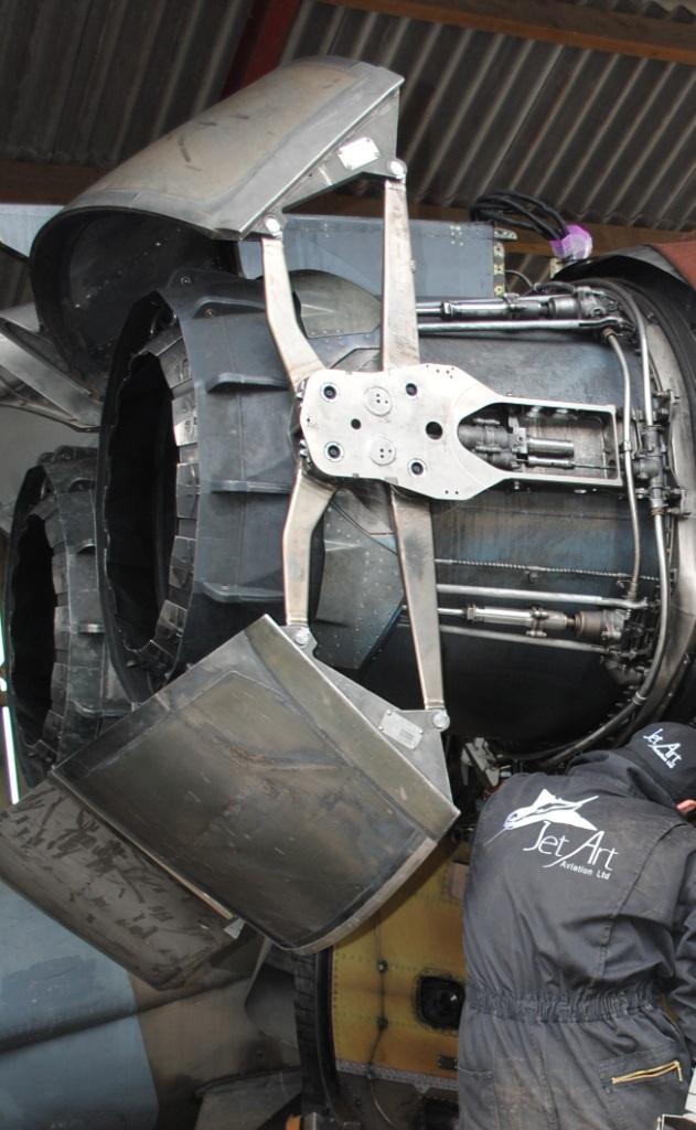 ZA359 RB199 engines (6)