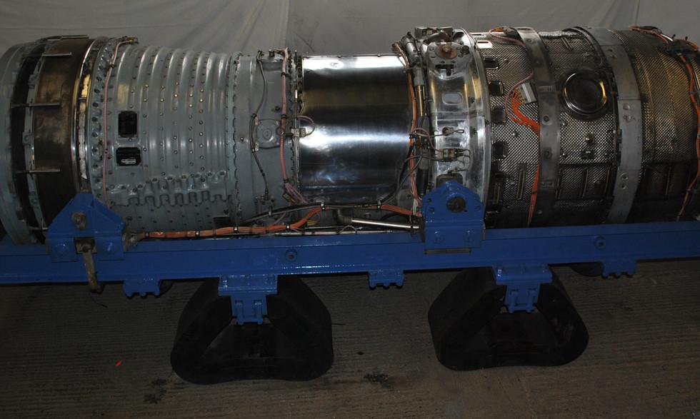Olympus 320 TSR2 engine (13).JPG