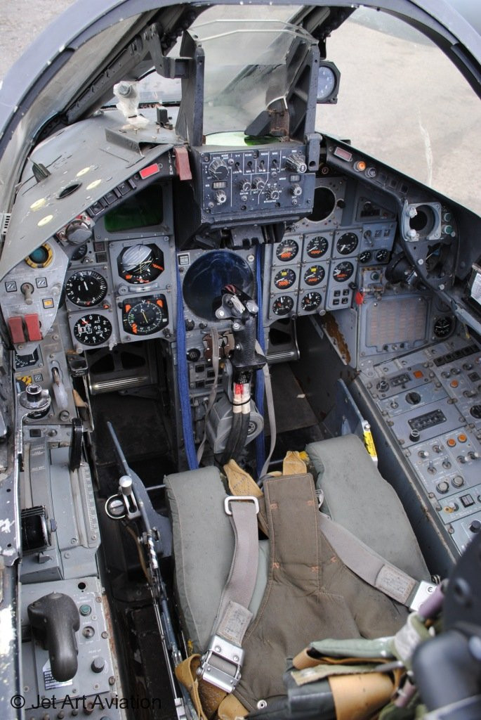 za399-restored-cockpit-2