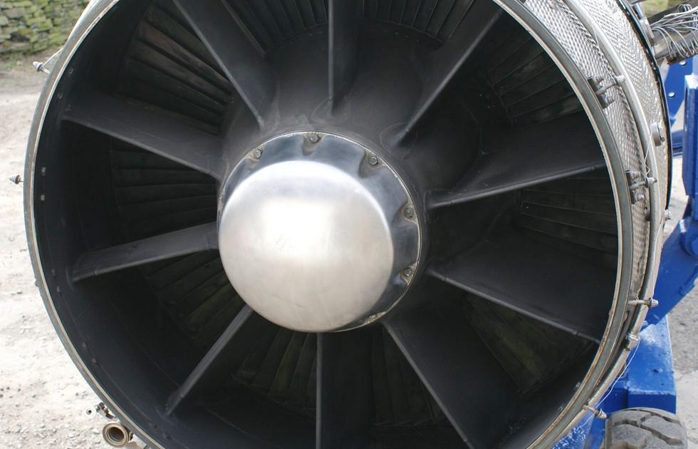 Olympus 320 engine (6).JPG