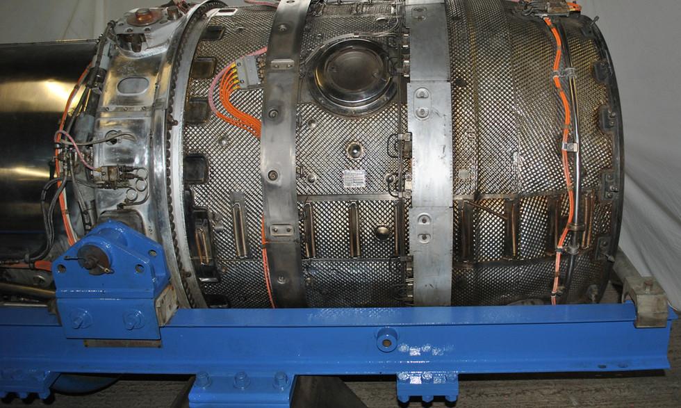 Olympus 320 TSR2 engine (19).JPG