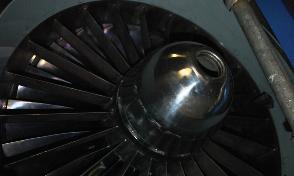 Olympus 320 TSR2 engine (21).JPG