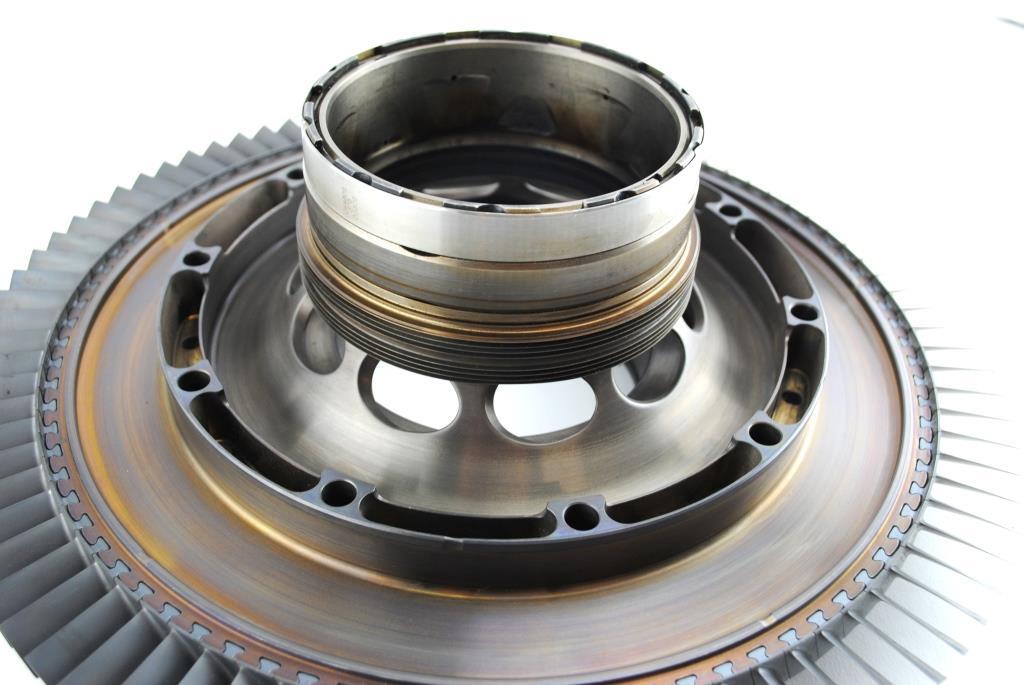 Jet engine fan