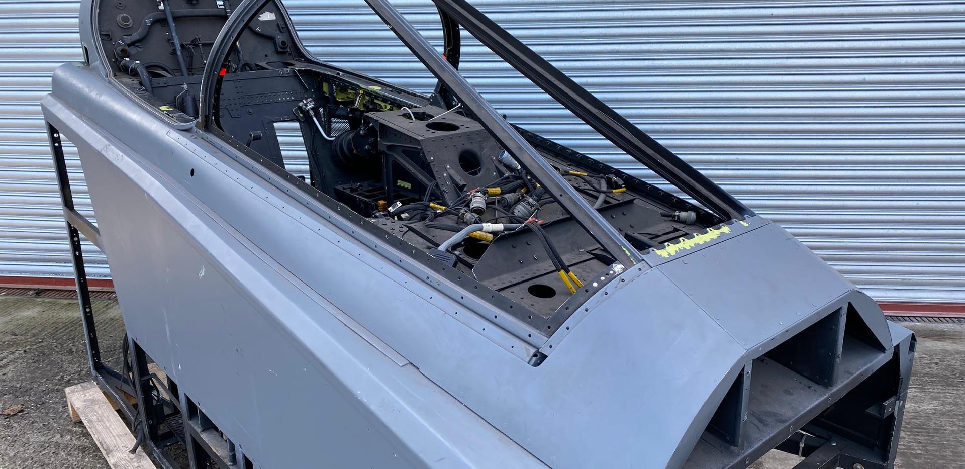 Jaguar Simulator Cockpit (7).jpg