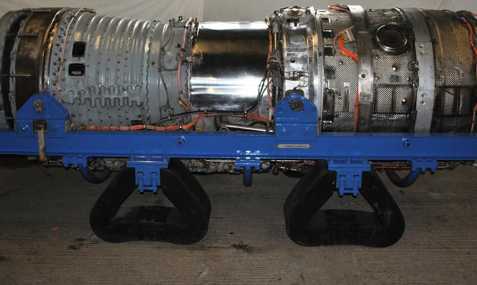 Olympus 320 TSR2 engine (2).JPG