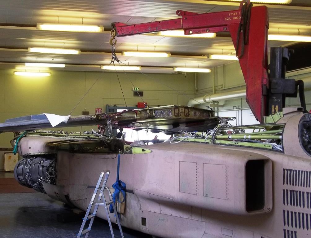 Jaguar Wing Removal RAF college