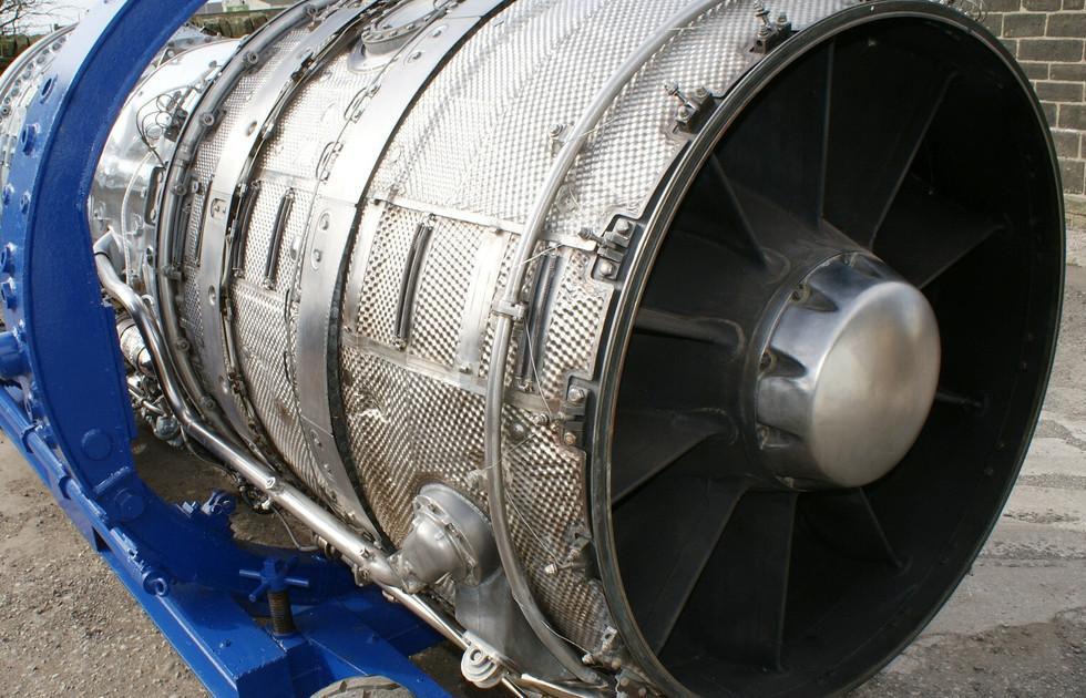 Olympus 320 engine (5).JPG