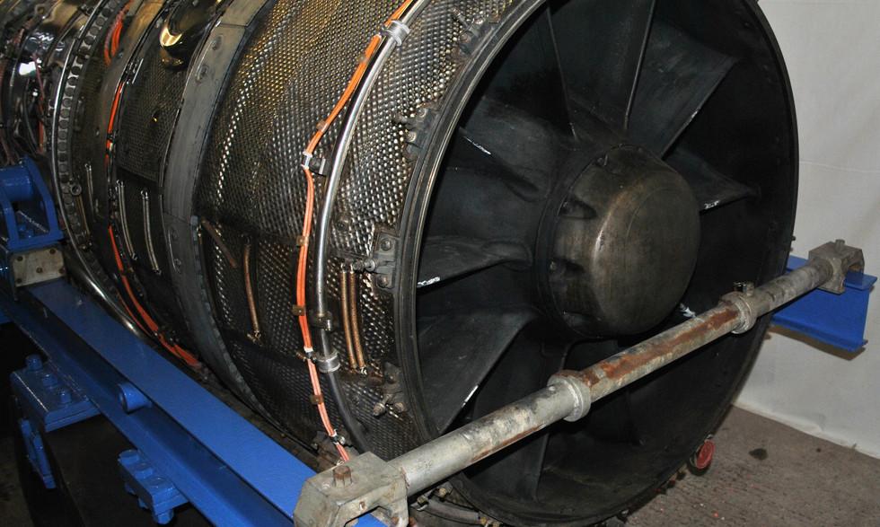 Olympus 320 TSR2 engine (9).JPG