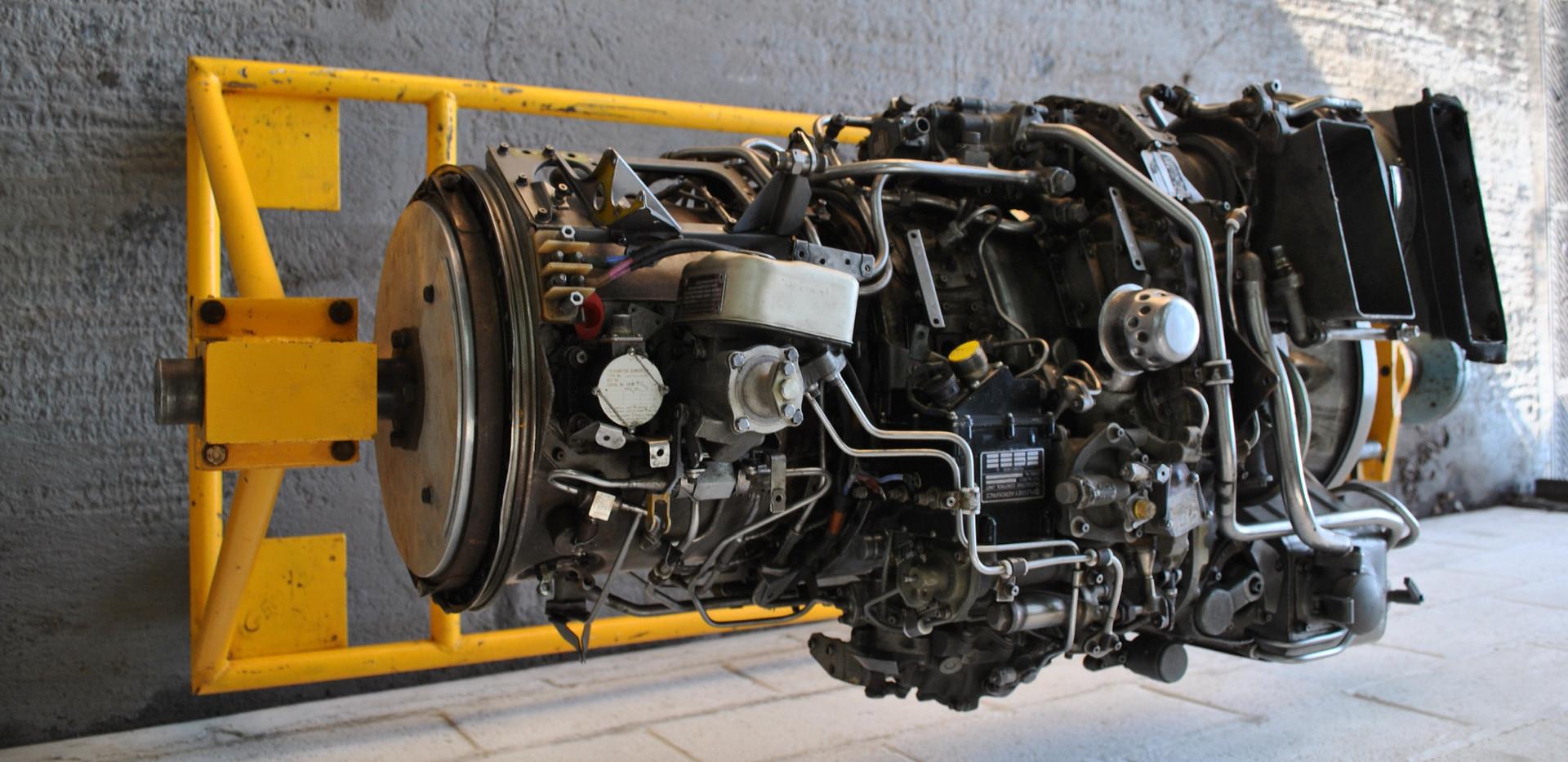 Rolls Royce Gem Engine in Stand (14).JPG