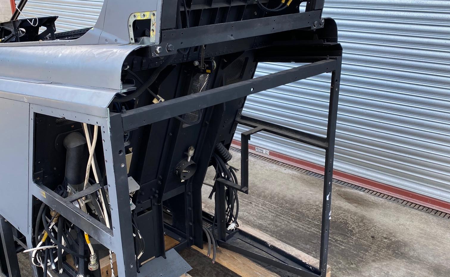 Jaguar Simulator Cockpit (3).jpg