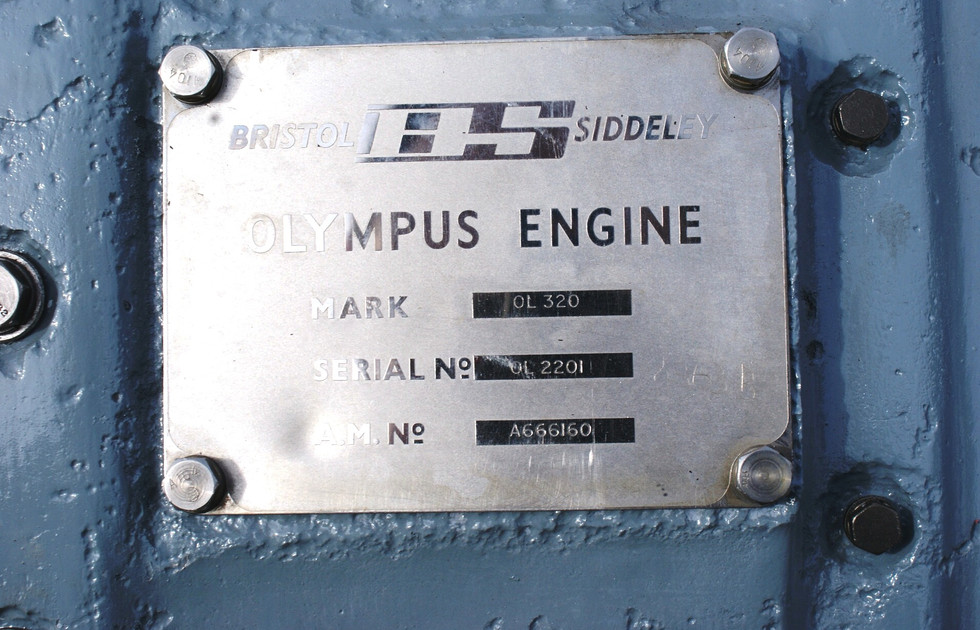 Olympus 320 engine (4).JPG